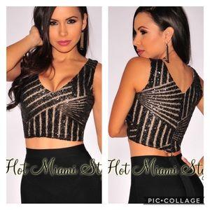 NWOT Hot Miami Styles V-Neck Sequin Crop Top
